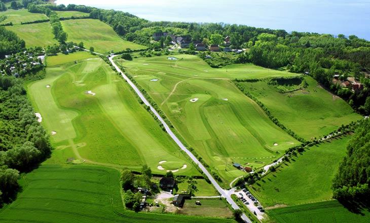 Die Golfanlage aus der Vogelperspektive betrachtet